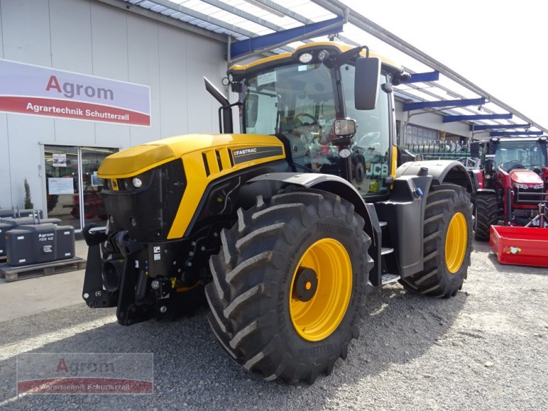 New JCB Fastrac 4220 wheel tractor for sale at Truck1 USA