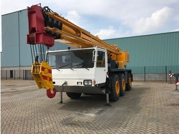 All terrain crane Kato KA 400
