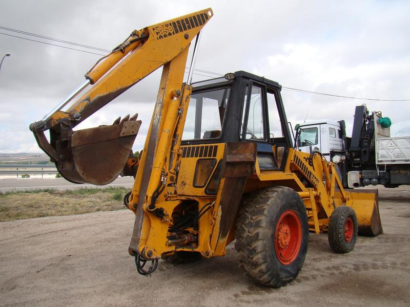 Backhoe loader CASE 680 E - Truck1 ID - 2221299