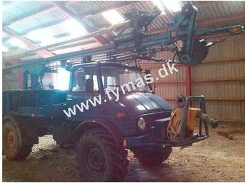 Unimog 416 - drilling machine