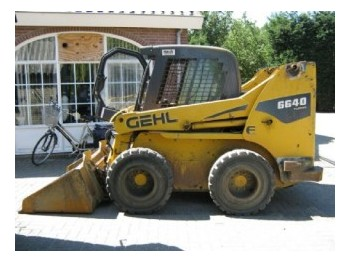 Gehl 6640 Turbo - construction machinery