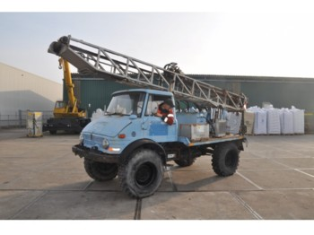 Mercedes-Benz Unimog U416 - construction machinery