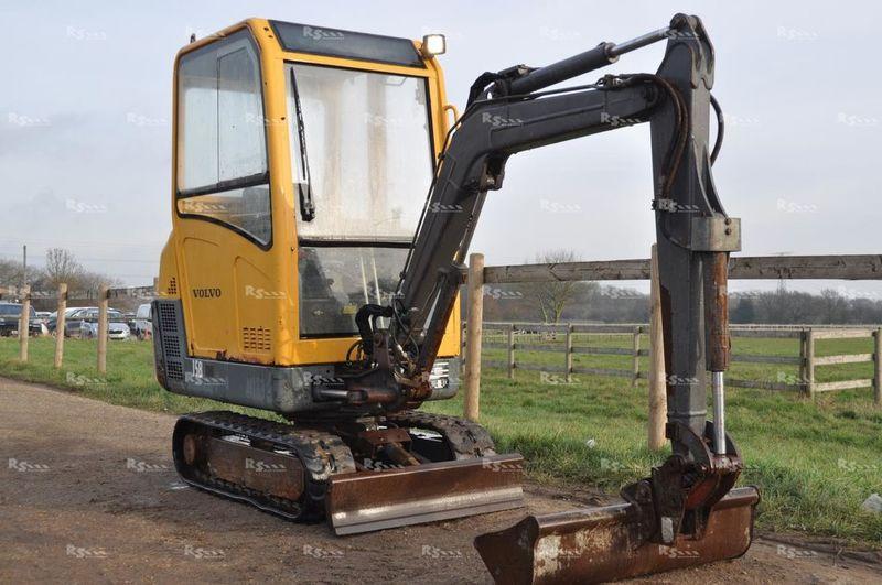 Mini excavator VOLVO EC15B XT — 3550655