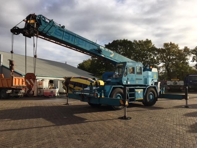 Mobile crane Tadano-Faun TR300 EX 4x4x4 All-terrain crane — 3645601