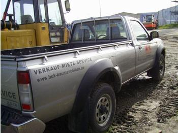 Nissan Pick-Up 2,5 Di - construction machinery
