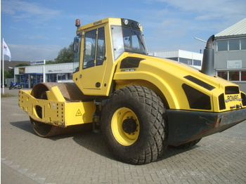 BOMAG BW 216 DH -4 - roller