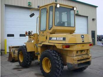 John Deere 244E - wheel loader