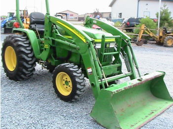 John Deere 790 Tractor - wheel loader