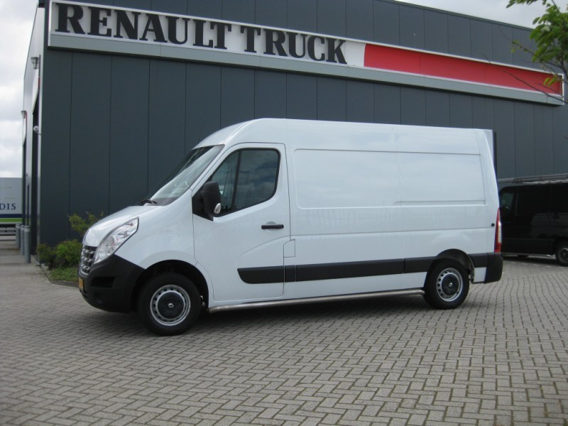 Closed Box Van Renault Master 15035 L2h2 Laadklep 1377868