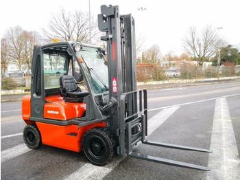 Nissan FD02A25Q - 4-wheel front forklift