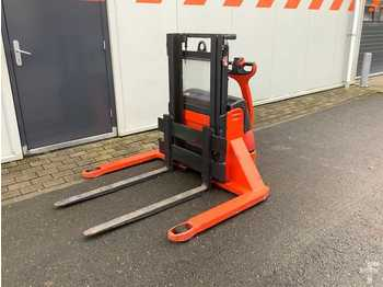 Linde L12AS - stacker