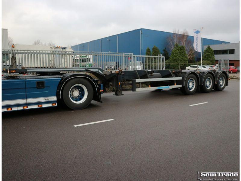 Container transporter/ swap body semi-trailer D-TEC