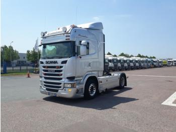 SCANIA R440 - tractor truck
